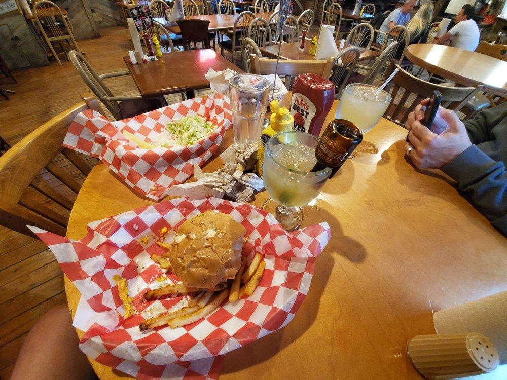 The 4 Way Bar & Grill: 9742 Fm 1283, Lakehills, TX