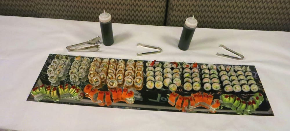 Blue Point Oyster & Sushi Bar: 13 Lincolnway, Valparaiso, IN