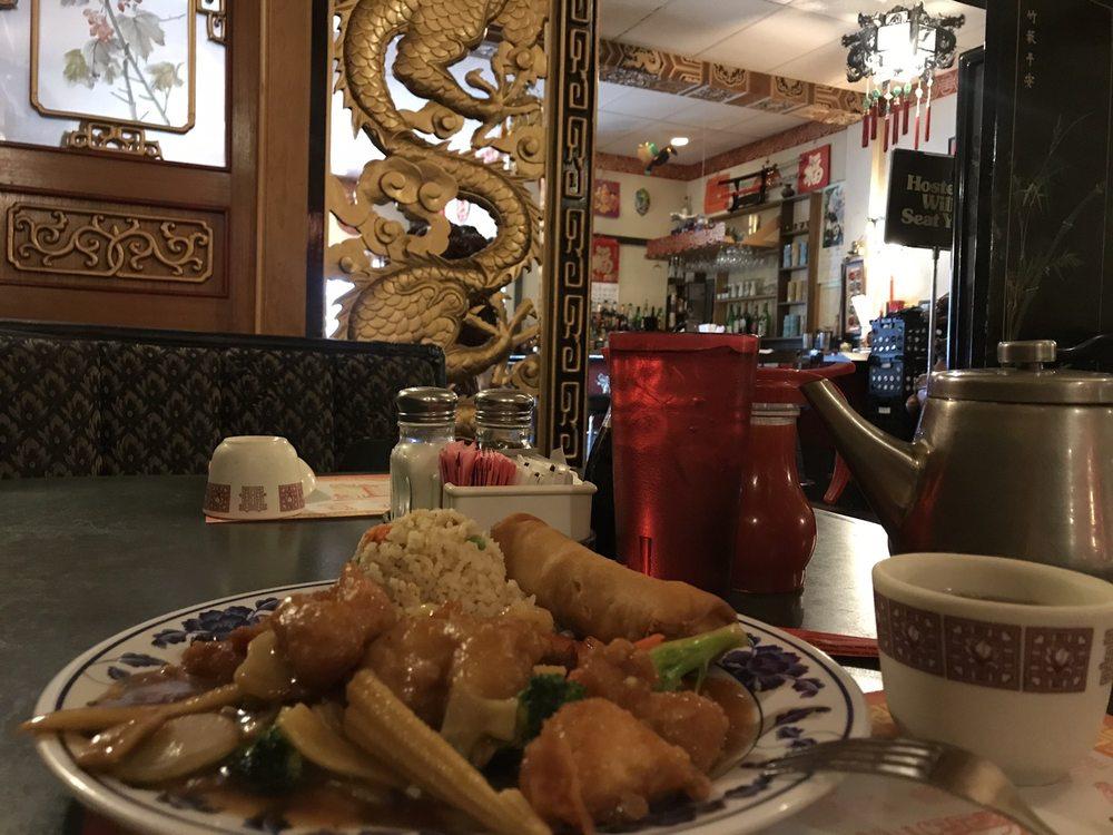 Yen Ching Restaurant: 926 Main St, Dubuque, IA