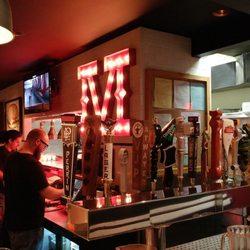 best small bars detroit