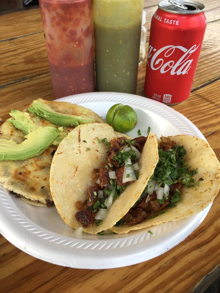Tacos Pancho 3: 411 W Mount Houston Rd, Houston, TX