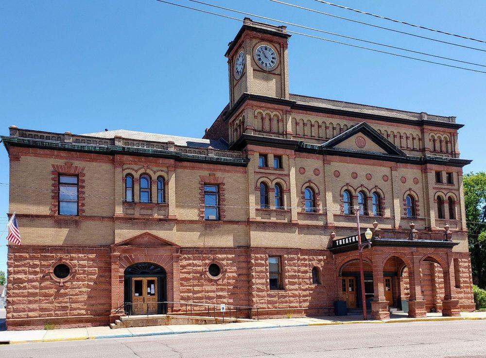 Calumet Theatre: 340 6th St, Calumet, MI