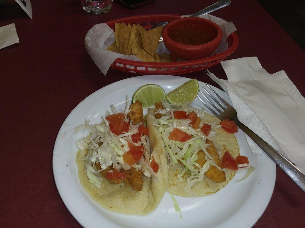 Los Amigos Restaurant: 105 S Main St, LA Feria, TX