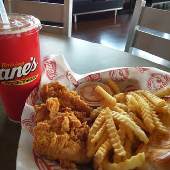Raising Canes Chicken Fingers 11 Photos 28 Reviews Fast Food