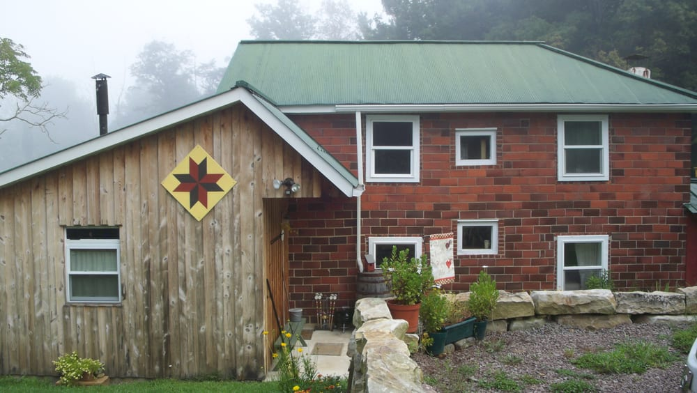 A Cottage at Campbell Farm: 1723 Fort Hill Rd, Fort Hill, PA