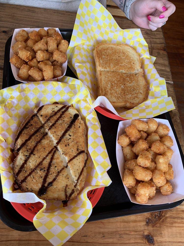 Cheese Shack: 6043 2nd St, Kimmswick, MO