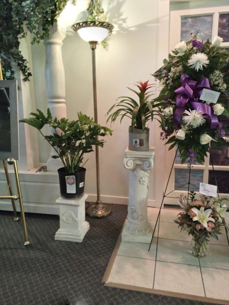 Kenwards Flowers: 220 S Patrick St, Jonesboro, AR
