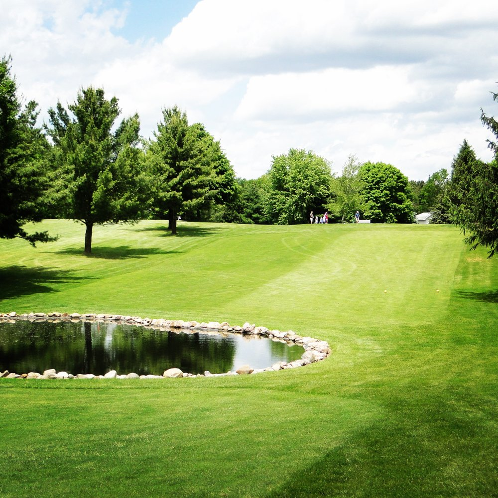 Fairfield Hills Golf Course: S3308 Fox Hill Rd, Baraboo, WI