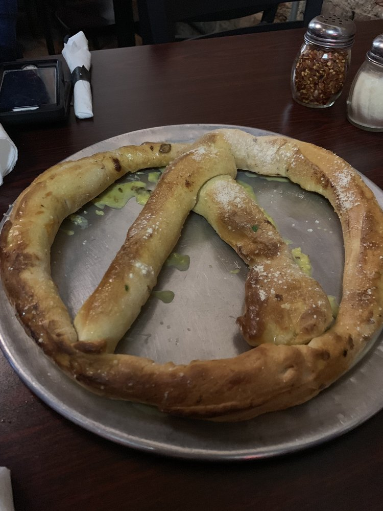 Food from Dellano's Pizza Kitchen