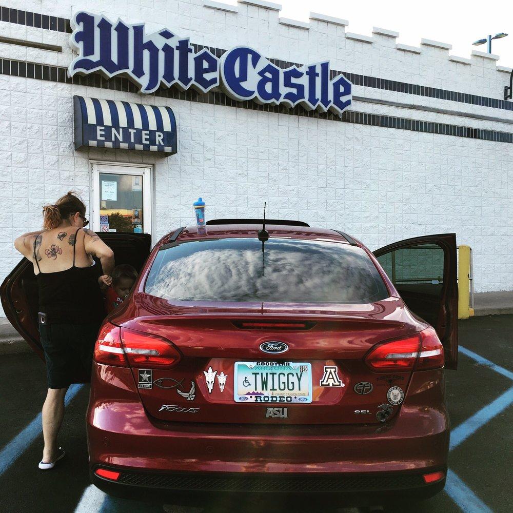 White Castle: 8801 W Market Square Dr, Daleville, IN