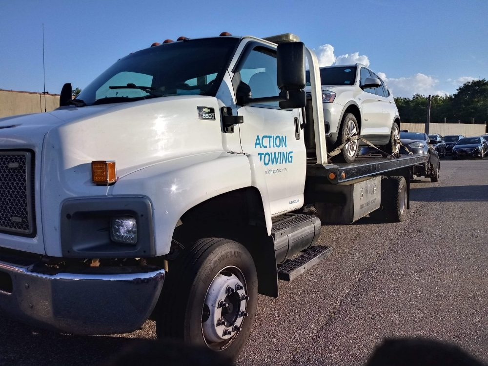 Towing business in Lakeville, MA