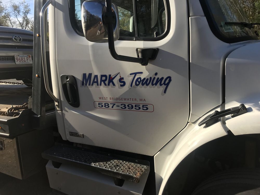 Towing business in Hanson, MA