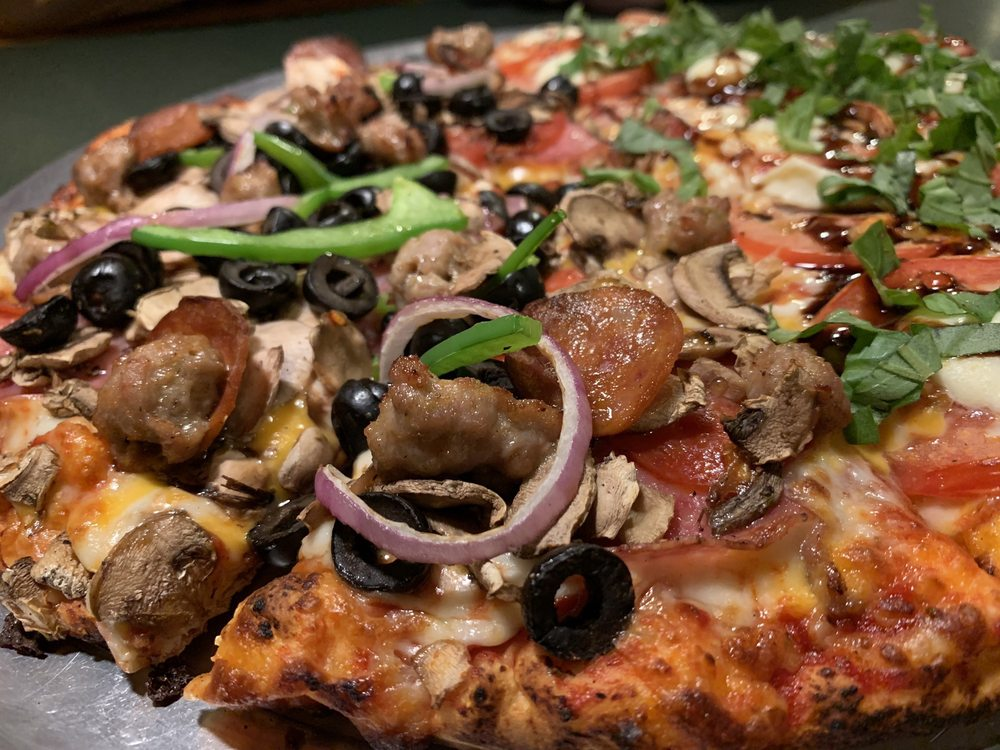 Boulder Creek Pizza & Pub: 13200 Central Ave, Boulder Creek, CA