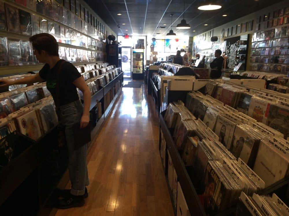 Uhf 10 Photos Amp 41 Reviews Vinyl Records 512 S
