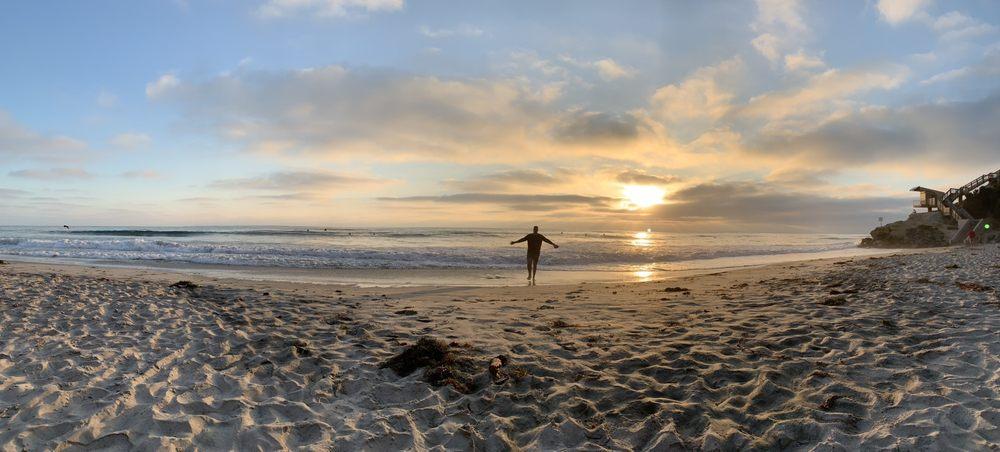 Cherry Hill Beach: 180 Del Mar Shores Ter, Solana Beach, CA