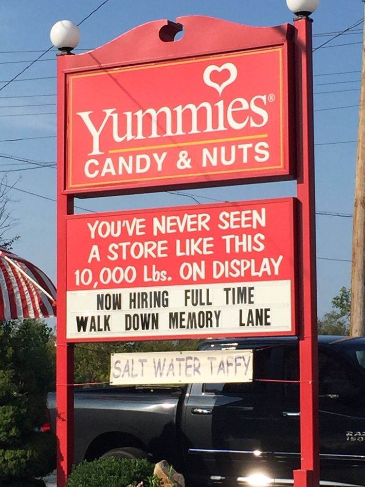 Yummies Candy & Nuts: 384 US Rt 1, Kittery, ME