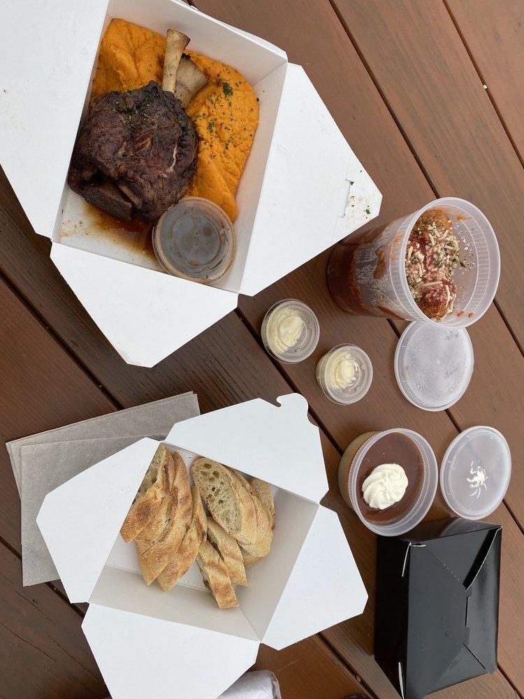Acqua Restaurant-White Bear Lake: 4453 Lake Ave S, White Bear Lake, MN