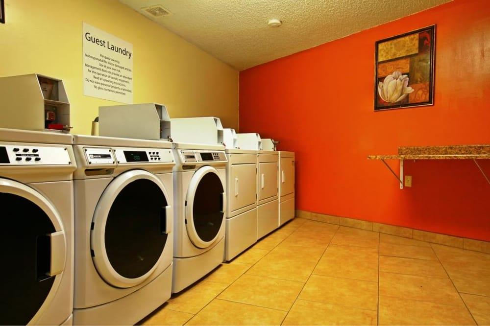 Americas Best Value Inn & Suites: 2518 Foothill Blvd, Rock Springs, WY