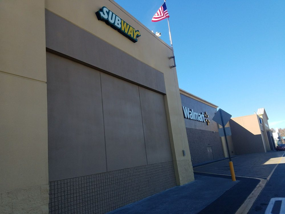Subway: 1815 Decatur Pike, Athens, TN