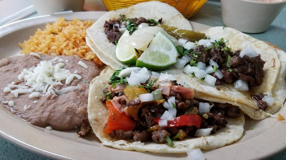 Morelia Mexican Restaurant and Tortilleria: 304 W Sunset Ave, Springdale, AR