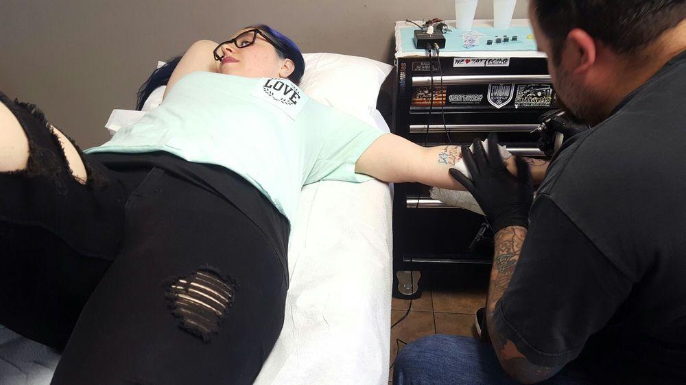 Electric voodoo tattoo 69 photos 37 reviews tattoo for Electric voodoo tattoo