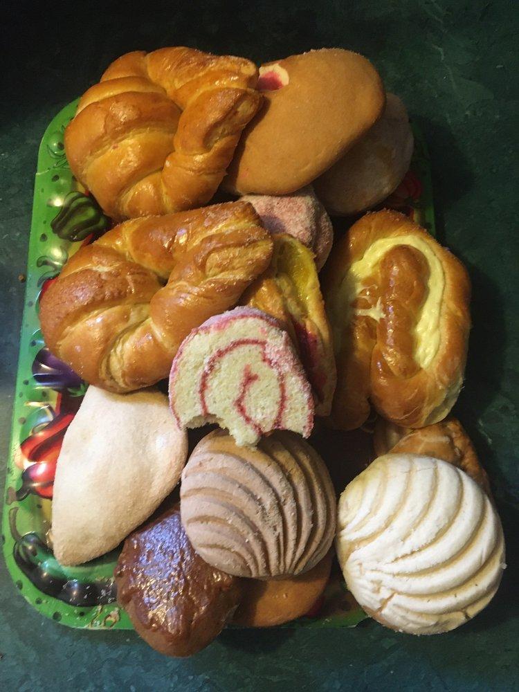 Panadería y Taqueria El Maná: 13920 FM 2432, Willis, TX