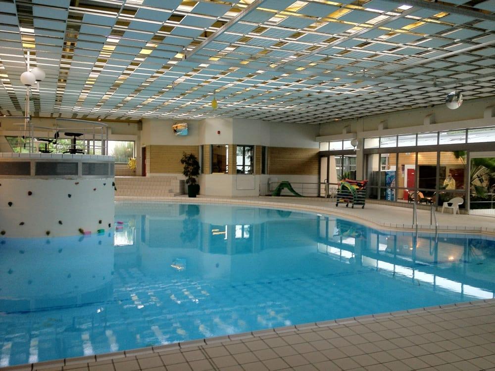 Jardin aquatique piscine rue alain vadepied vron for Piscine mayenne