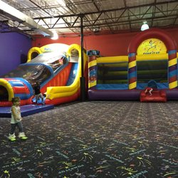 About Pump It Up of The Woodlands Let your kids jump around, climb and slide at a Pump It Up location. They have bouncers and obstacle courses where kids can jump for hours!