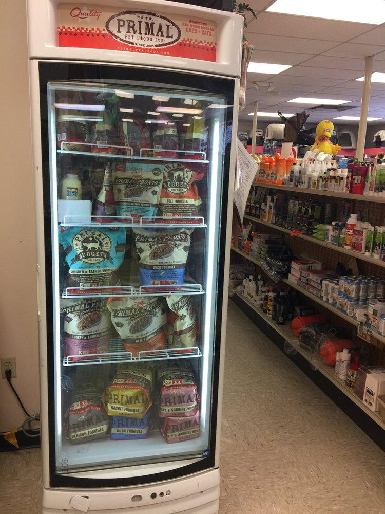 Leone Animal Supply Centers: 4352 William Penn Hwy, Murrysville, PA