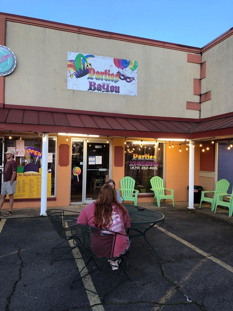 Da' Bayou Snowballs: 110 S Coker St, Greenwood, AR
