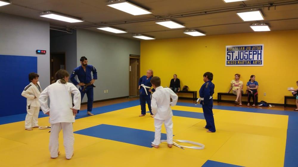 St. Joseph Brazilian Jiu Jitsu & Mixed Martial Arts: 3936 B Sherman Ave, Saint Joseph, MO