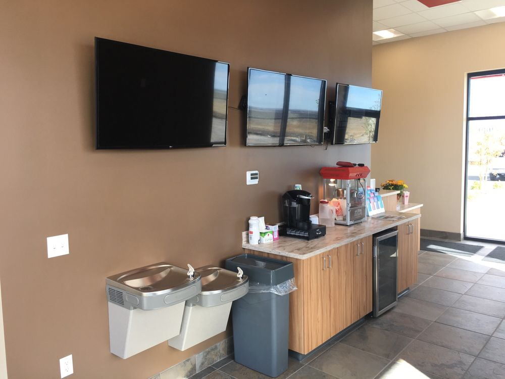 Grease Monkey: 801 Florence Way, West Wendover, NV