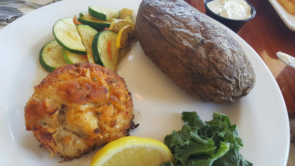 Crab cake lunch yelp for Lynnhaven fish house