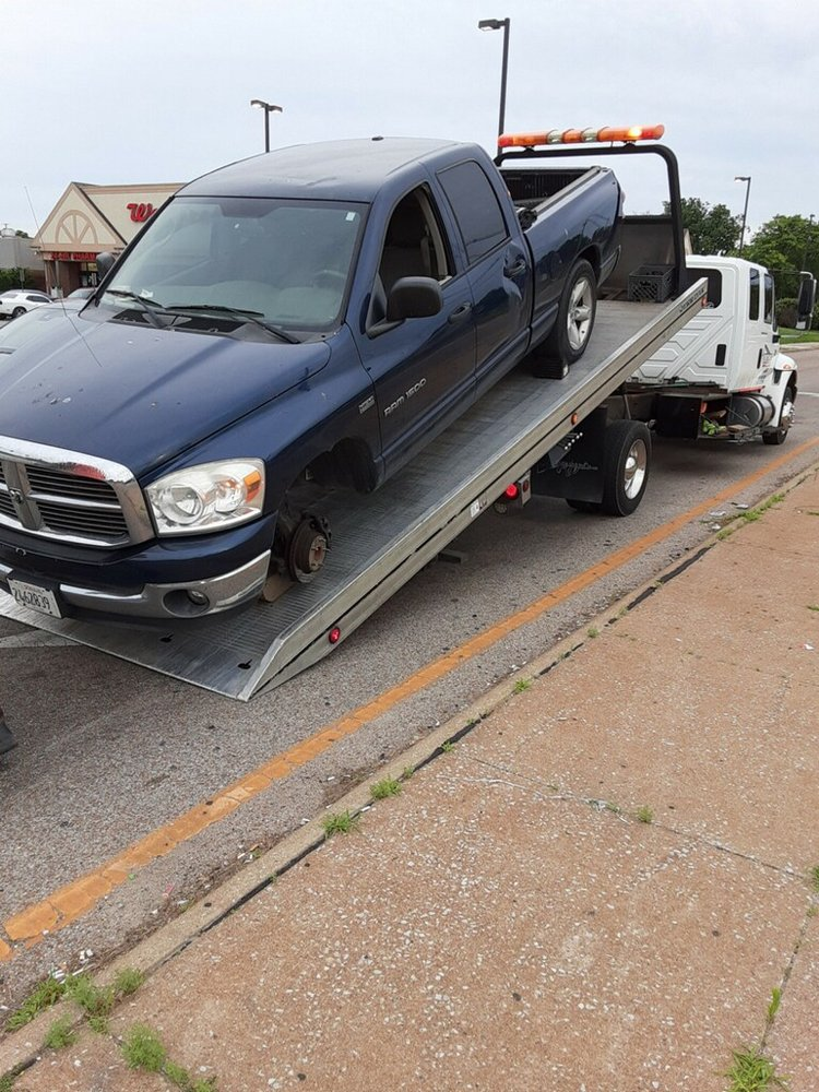 Towing business in St. Clair, IL