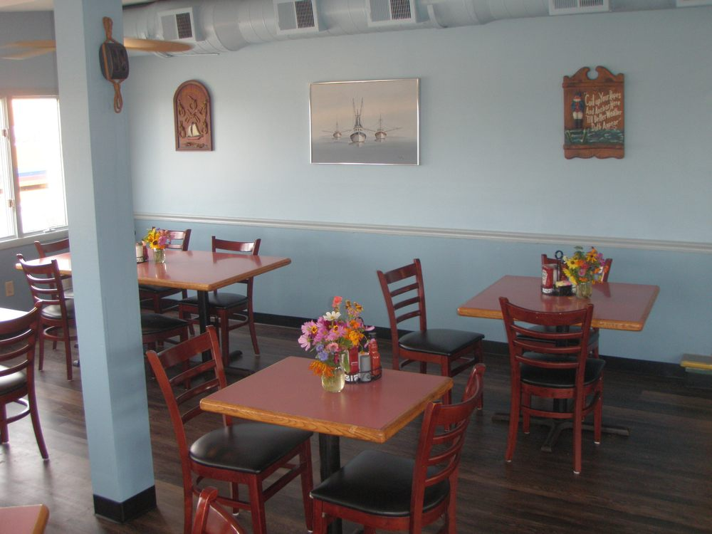 The Landing Restaurant: 91 Landing Rd, Newport, NJ