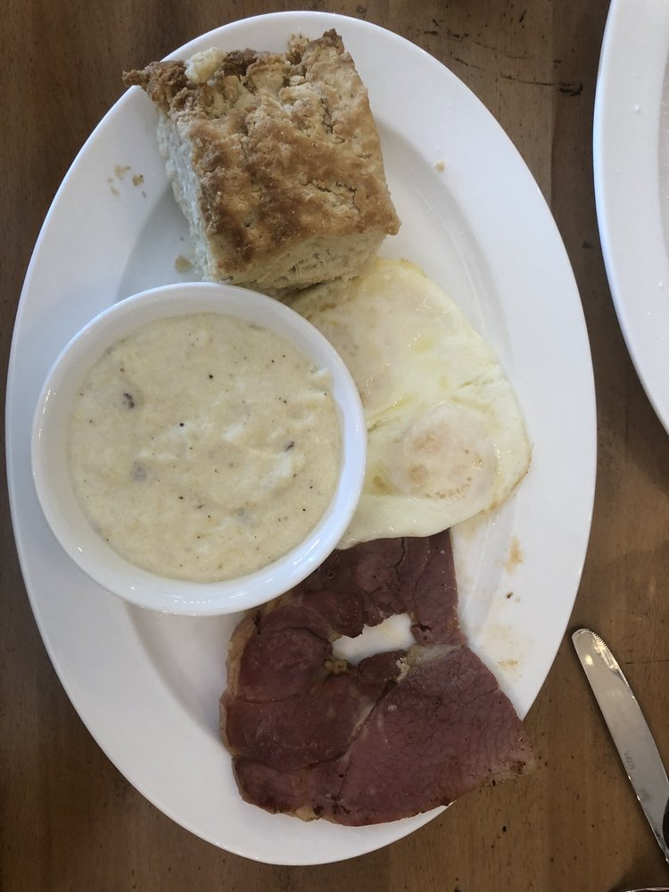 Mason's Restaurant & Grocery: 111 N Sycamore St, Aberdeen, NC