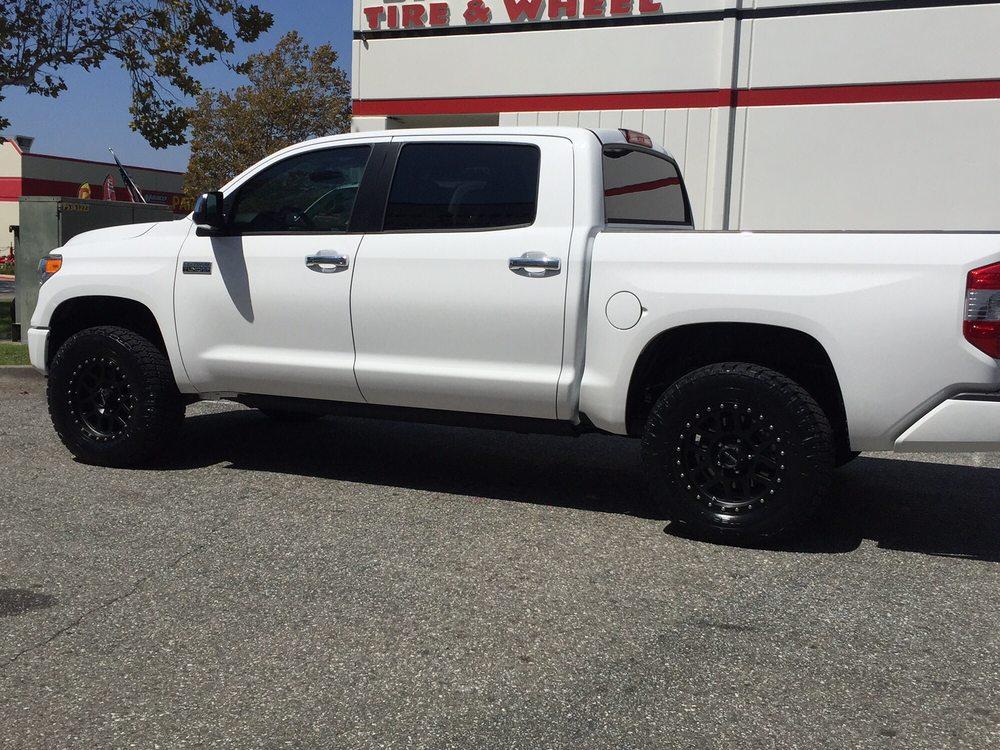2016 Platinum Toyota Tundra 4x4 Barneys Put In Bilstein