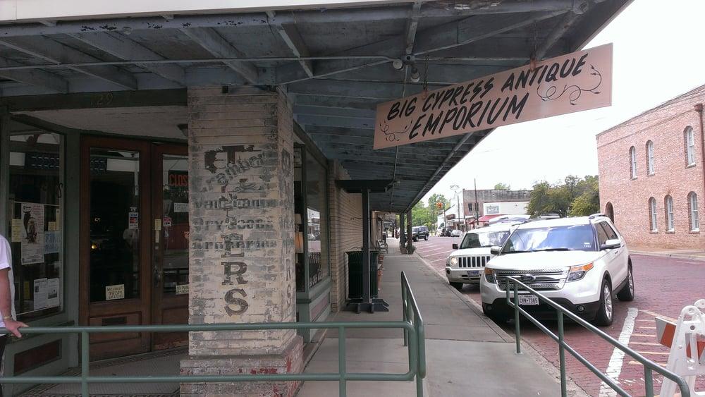 Brayden & Company: 129 N Walnut St, Jefferson, TX