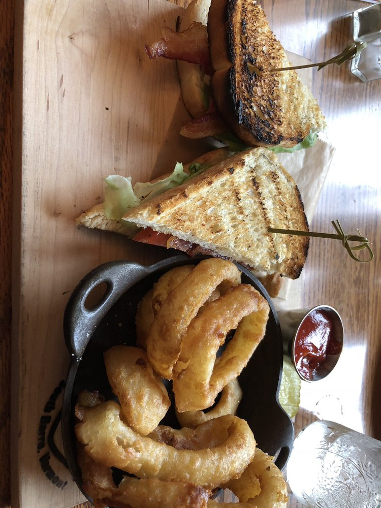 Cornerstone Pub & Kitchen: 47 N Main St, Barre, VT