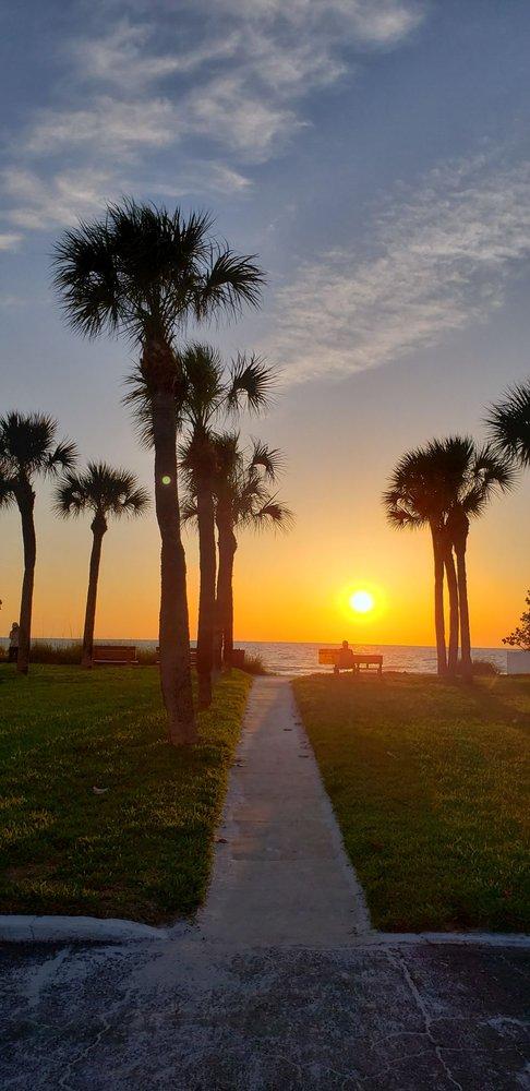 Belleair Beach: 2500 Gulf Blvd, Belleair Beach, FL