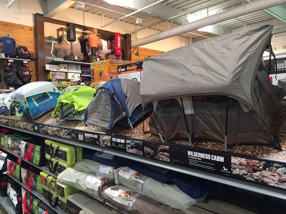 DICK'S Sporting Goods: 258 Westshore Plz, Tampa, FL