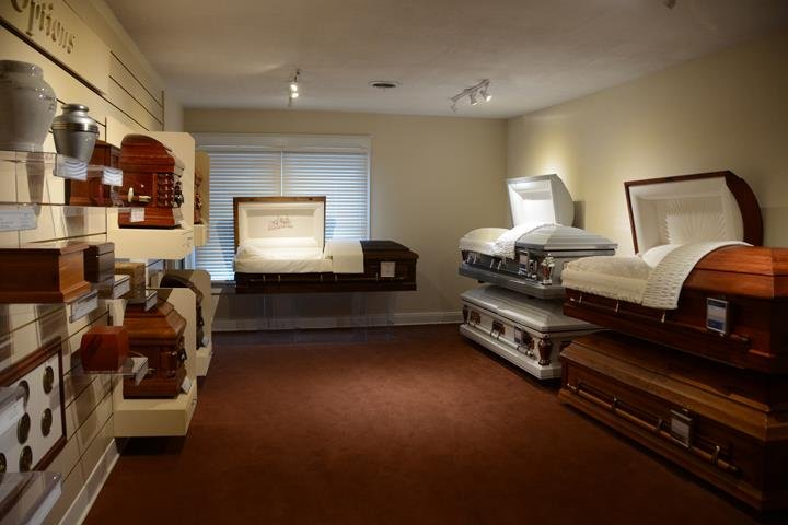 Doak-Howell Funeral Home and Cremation Services: 739 N Main St, Shelbyville, TN