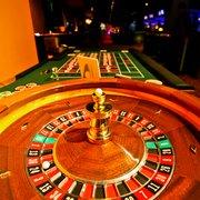 Caesars bets on online gambling market