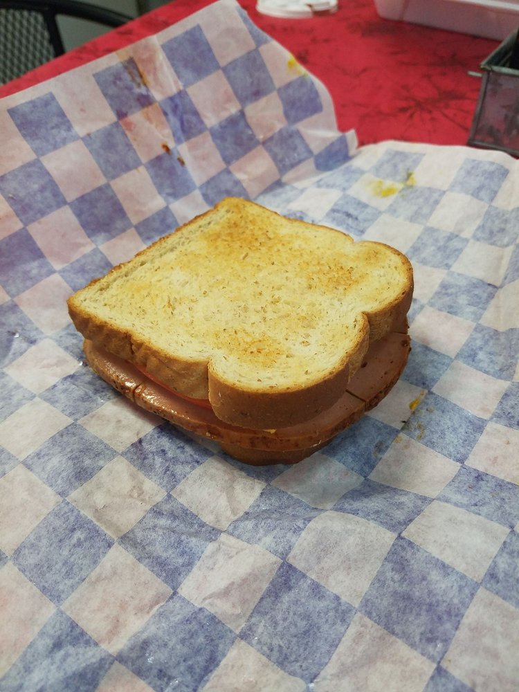 The Lunch Box: 813 W Main St, Woodbury, TN