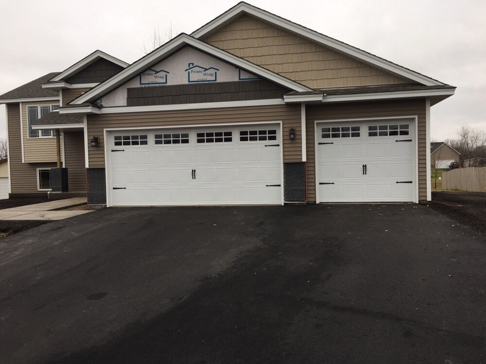 Aspen Garage Doors: 1409 Pennsylvania Ave N, Golden Valley, MN