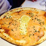 Pizza Pino - Paris, France. Pizza aux saumons-- so delish