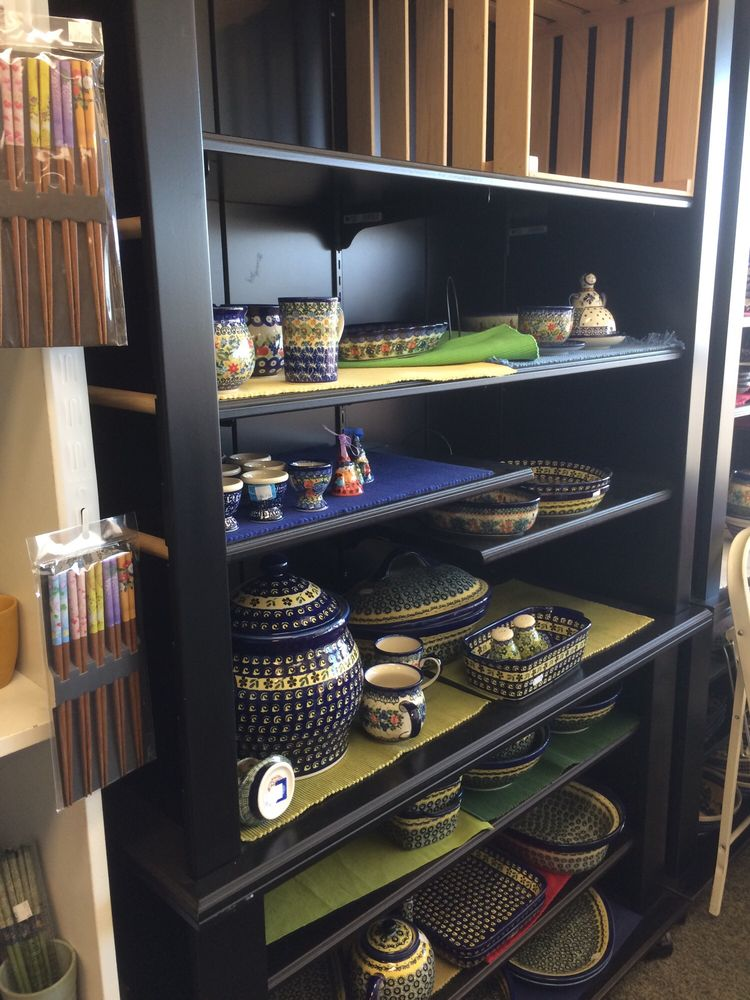 Sandy's Kitchens and Gifts: 609 W Washington St, Sequim, WA