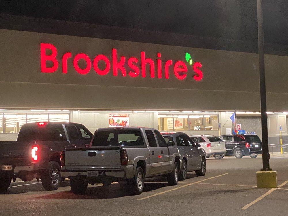 Brookshire's: 1075 US Hwy 271 N, Gilmer, TX