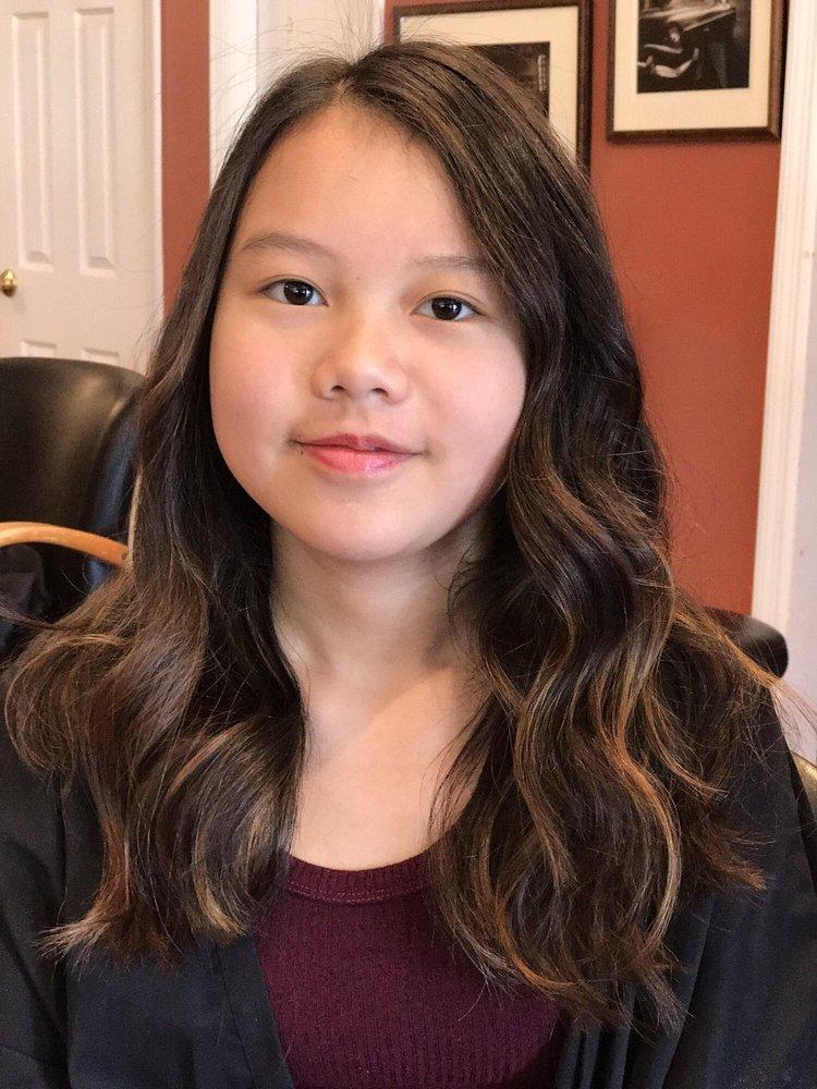 Flip hair salon coiffeurs salons de coiffure 419 for Samantha oups au salon de coiffure