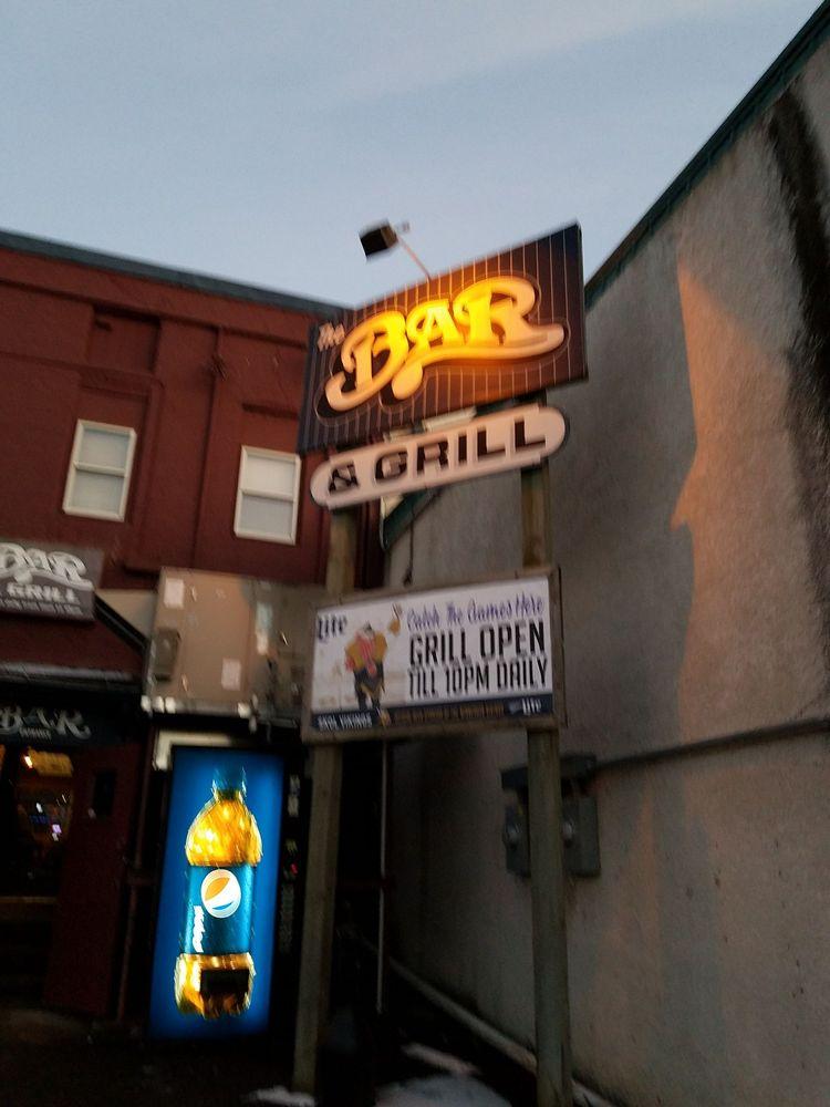 Bar: 130 S Main St, Le Sueur, MN